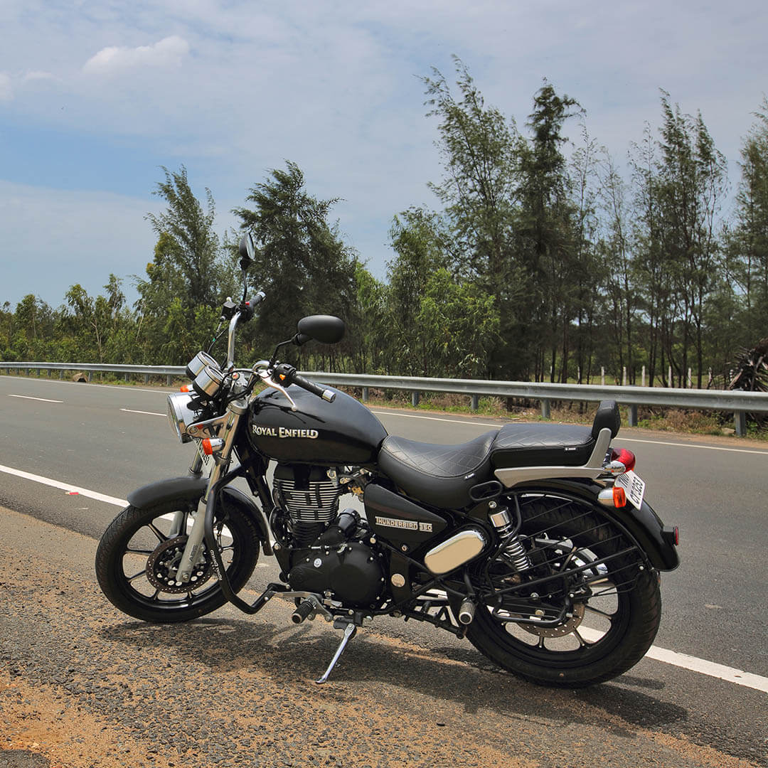 Thunderbird 350 Colours Specifications Reviews